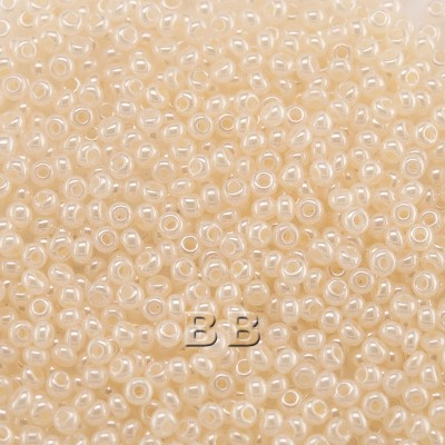 Preciosa Czech glass seed bead 13/0 Cream White Pearl