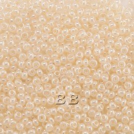 Preciosa Czech glass seed bead 13/0 Cream White Pearl